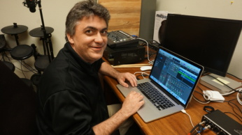 Instructor Randy Owen using a Digital Audio Workstation